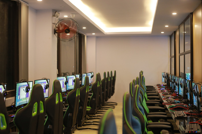 cyber game KOW Gaming Center 2
